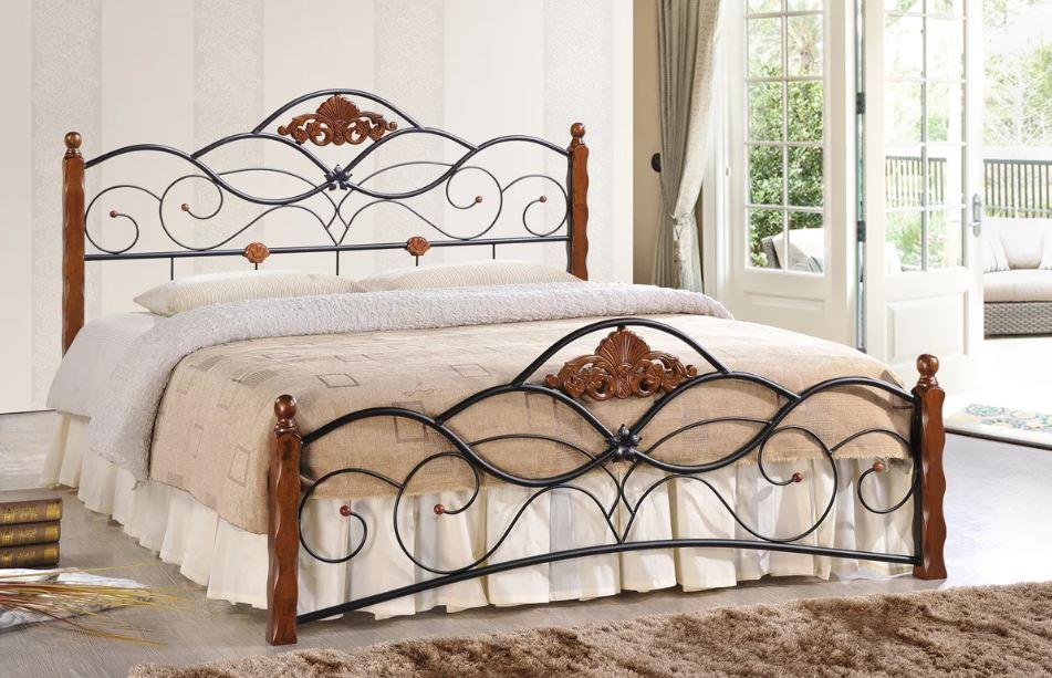 Двуспальная металлическая кровать