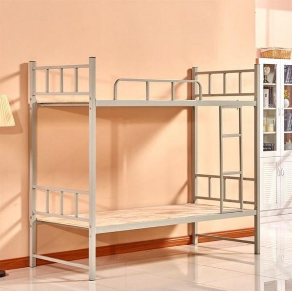 Бежевая металлическая кровать