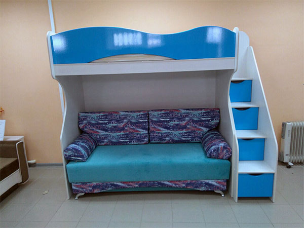 Кровать-чердак с диваном из МДФ