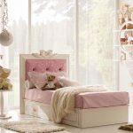 Кровать детская с мягкой спинкой