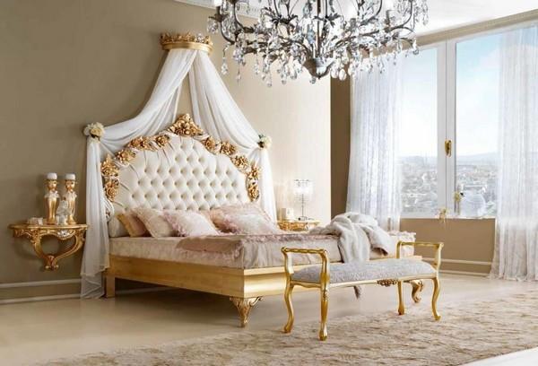 Кровать классическая из Италии