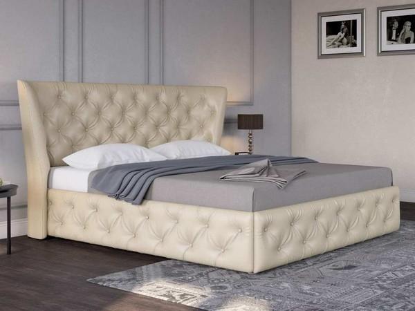 Кровать с мягким изголовьем