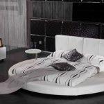 Круглая кровать на подиуме