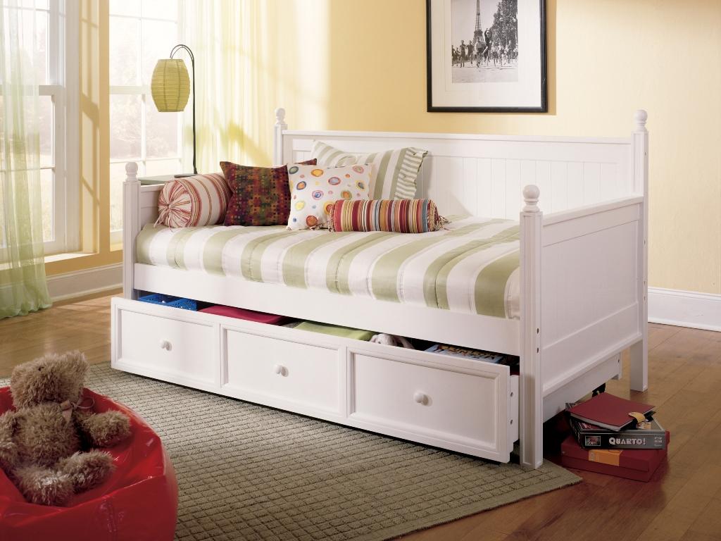 Кровать-кушетка