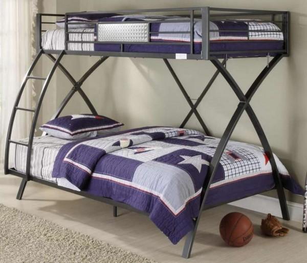 Железная двухуровневая кровать