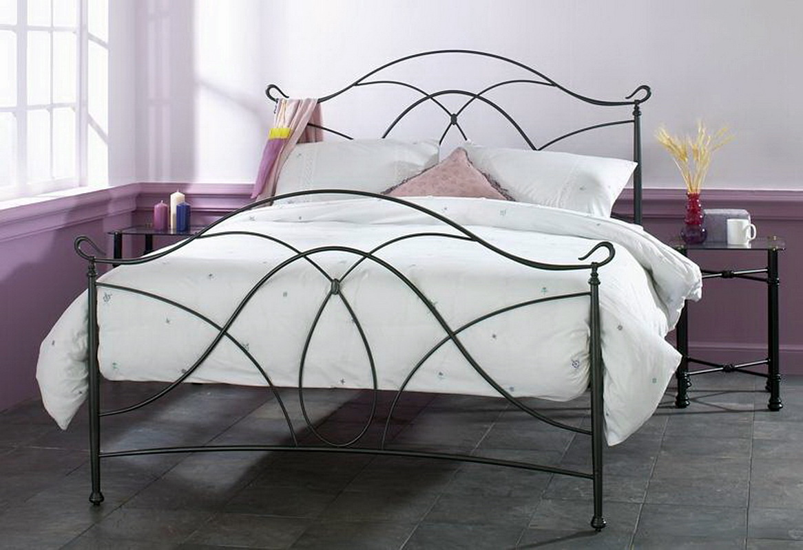 Металлическая кровать 1,5 спальных места