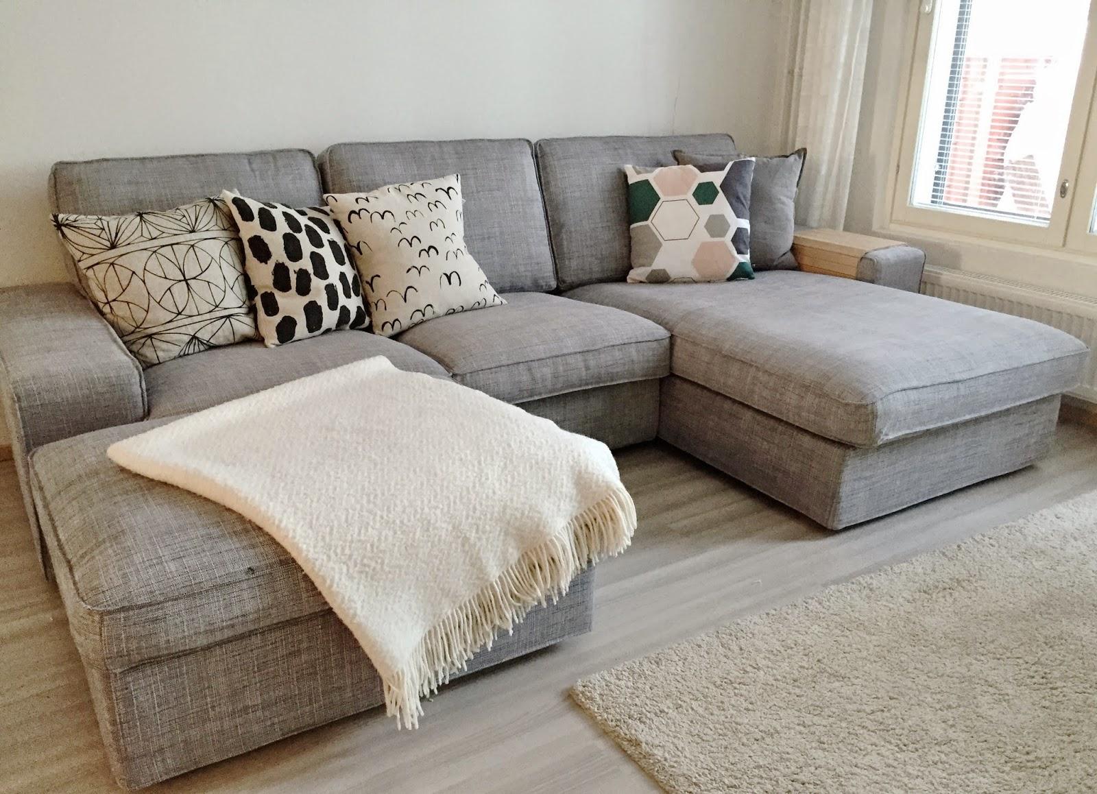 Модульный диван Икеа в интерьере