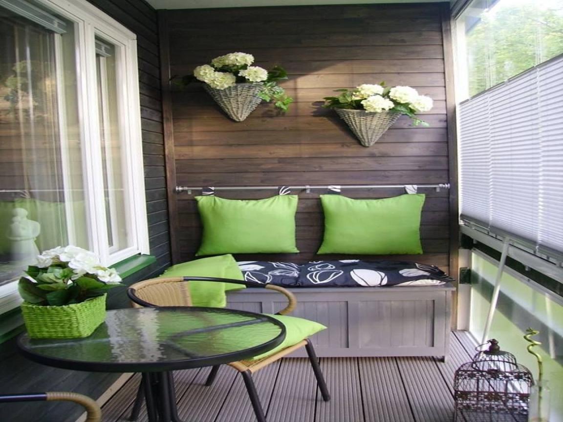 На лоджии или балконе