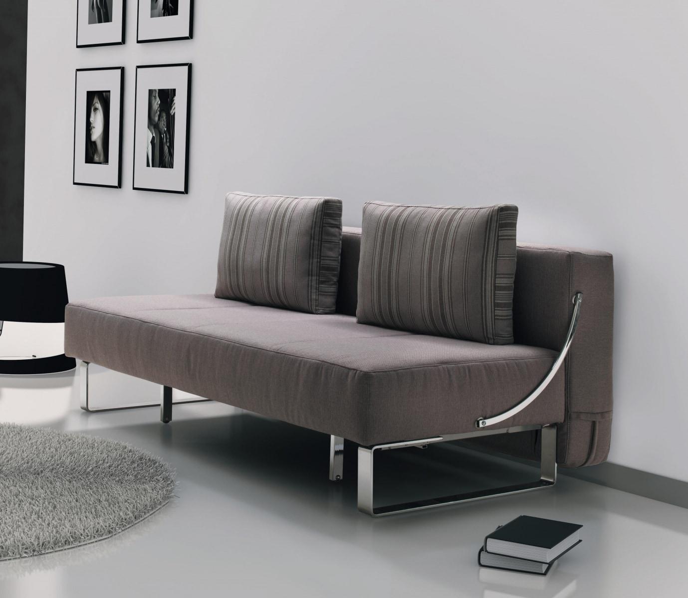 Небольшой диван в стиле хай-тек