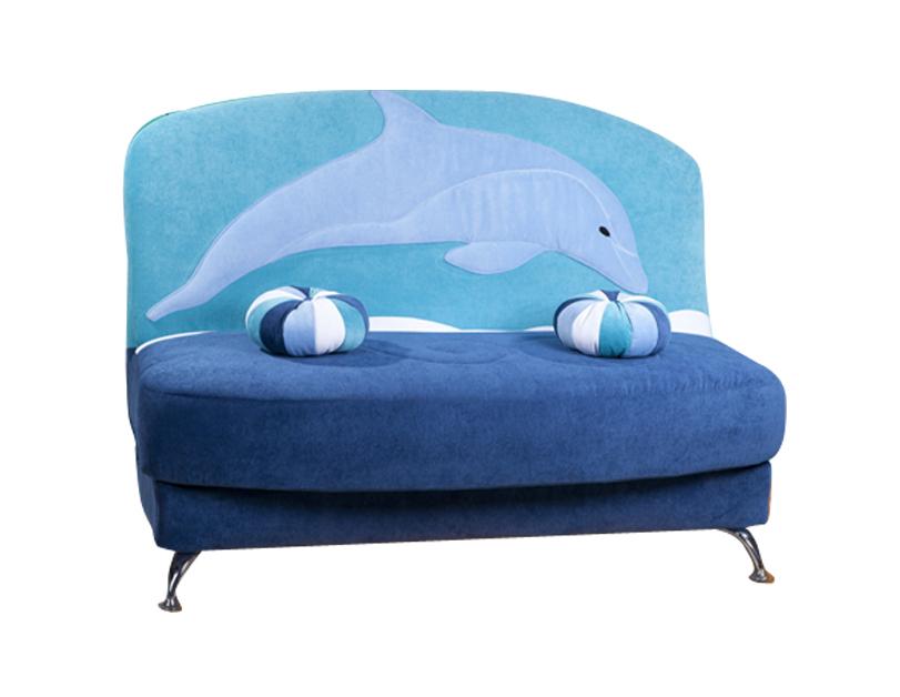 Небольшой диванчик