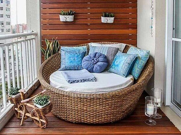 Плетеный круглый диван
