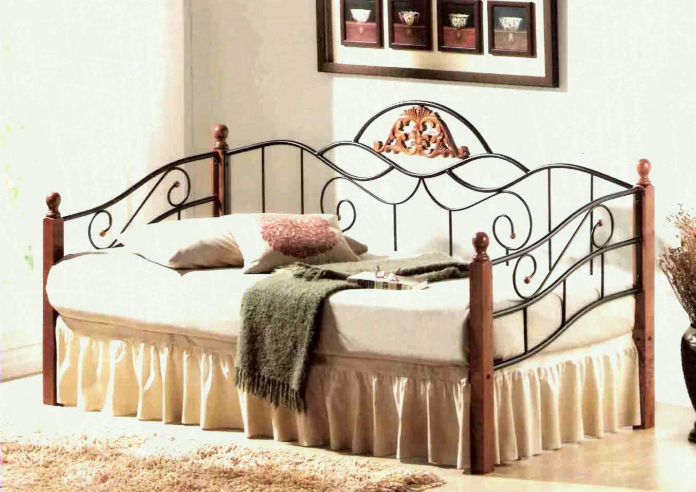 Полуторная кровать со спинкой