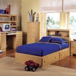 Простая мебель для детской