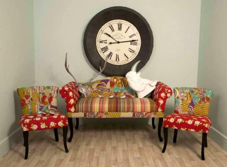Разноцветный диван в стиле бохо