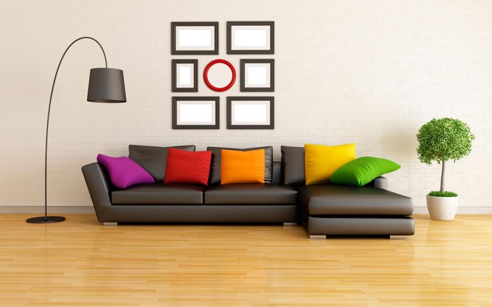 С разноцветными подушками