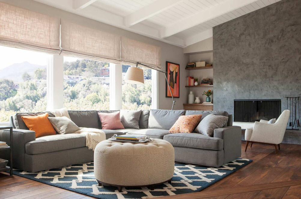 Серый диван
