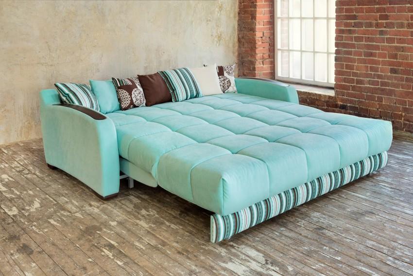 Светлый диван бирюзовый