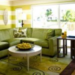 Угловой диван оливкового цвета