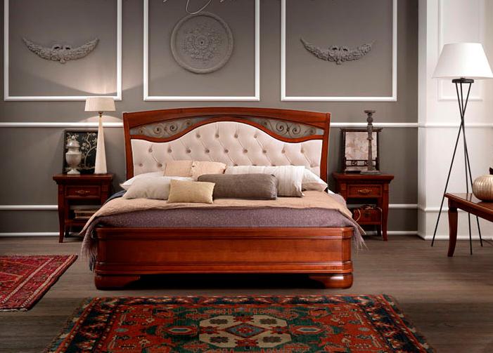 Итальянская кровать из дерева