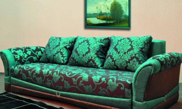 Зеленый диван с обивкой из гобелена