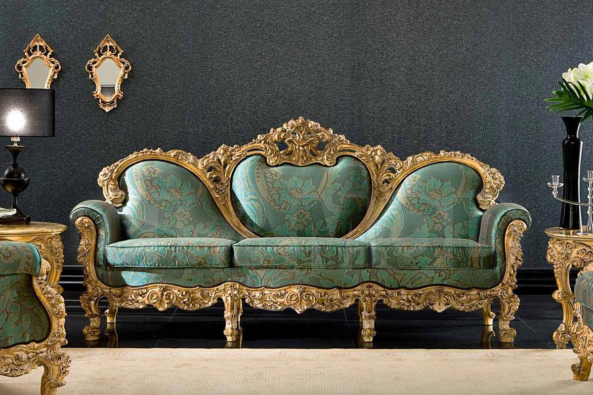 Зеленый диван в стиле барокко