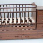 Детская кроватка с 5 ящиками