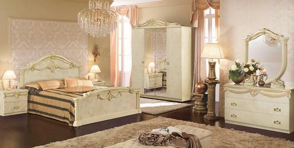 Классическая кровать в цвете айвори