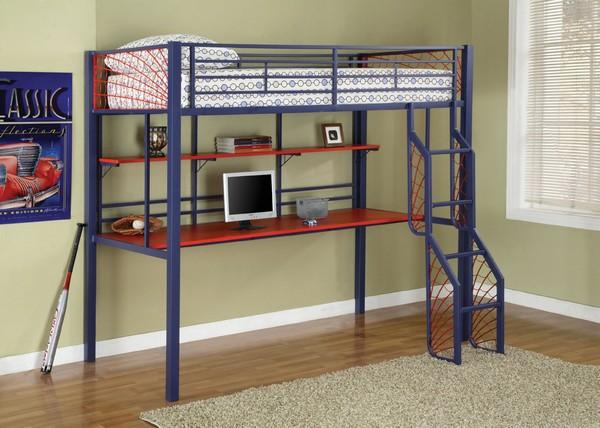 Металлическая двухярусная кровать с маршевой лестницей