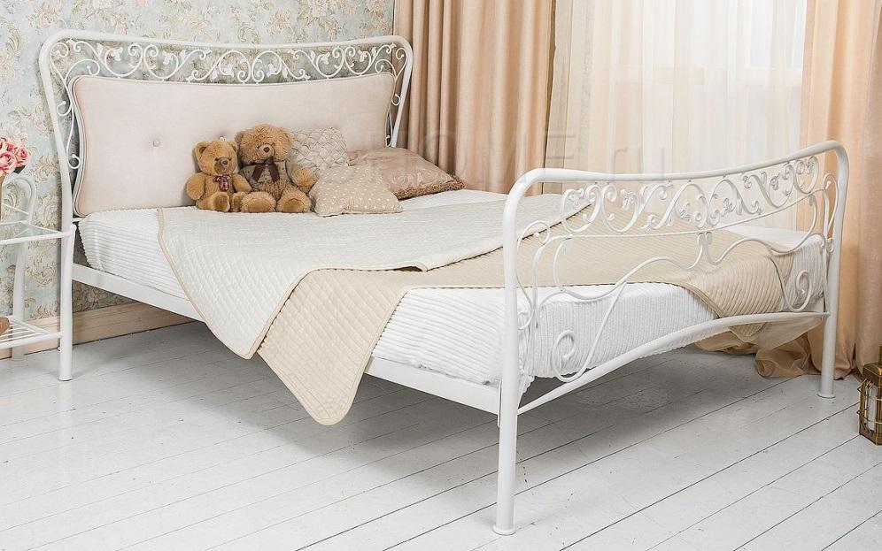 Двуспальная металлическая кровать Woodville