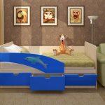 Детская кровать с дельфином