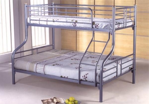 Железная кровать в стиле хай-тек