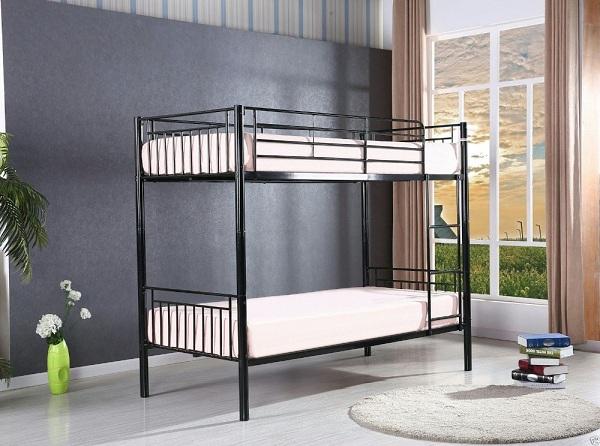 Простая двухъярусная металлическая кровать