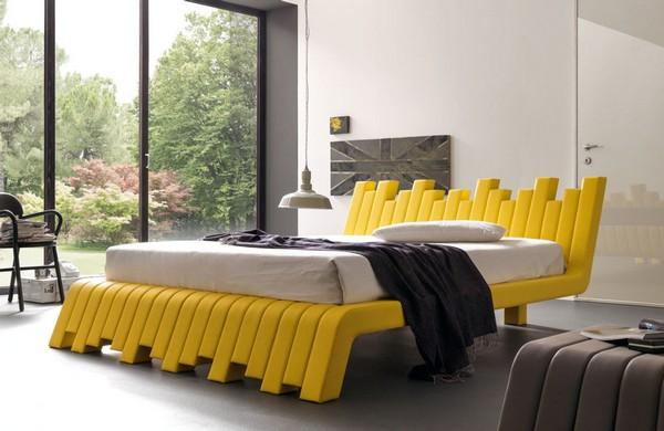Итальянская дизайнерская кровать из пластика