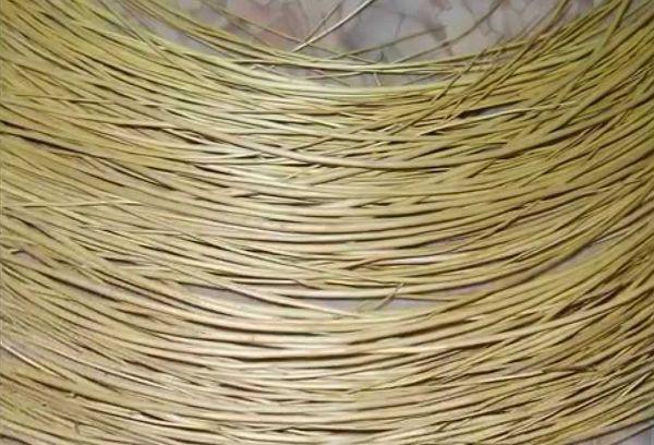 Деревянные прутья для каркаса