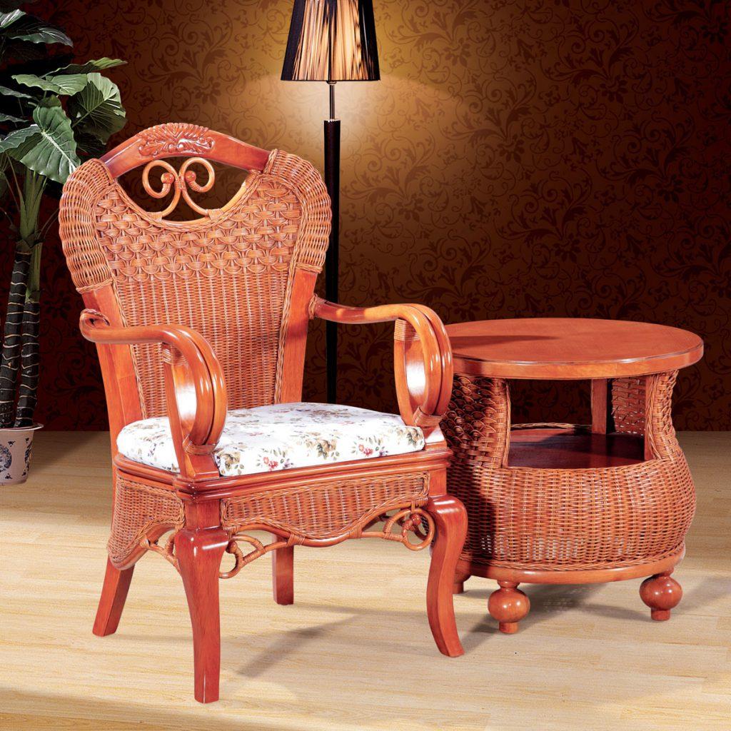 Плетеное кресло в интерьере