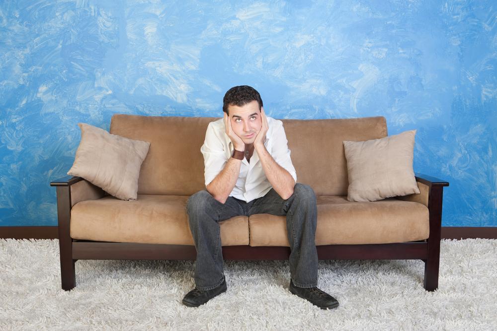 Почему скрипят диваны