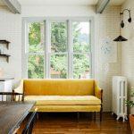 Желтый кухонный диван