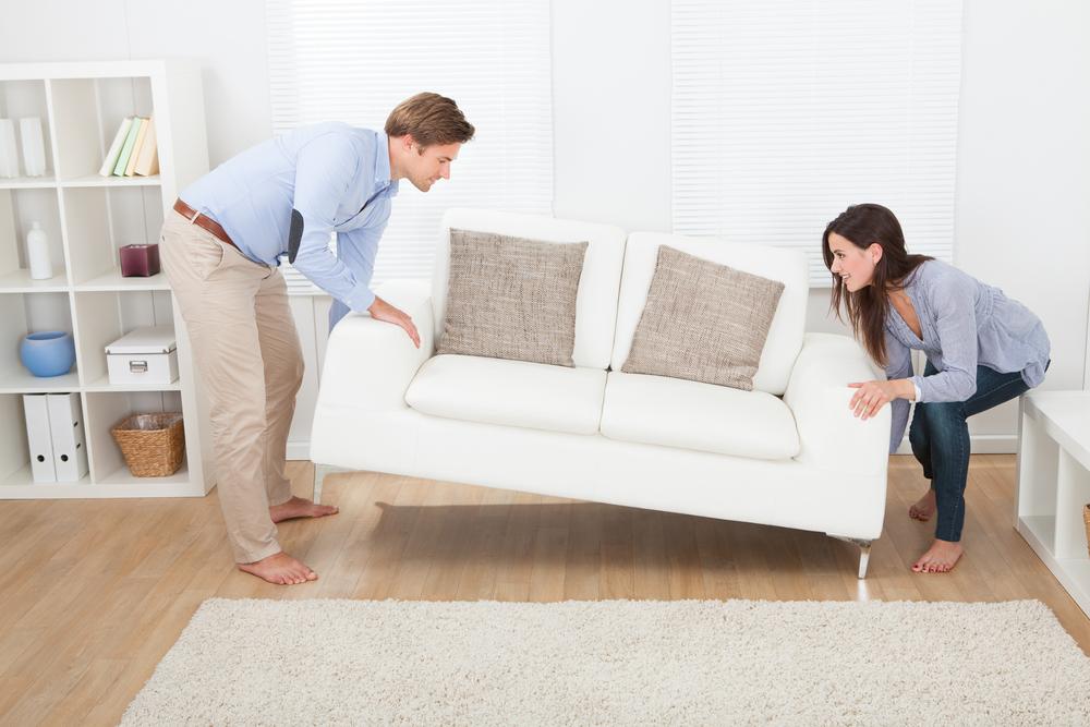 как передвинуть диван