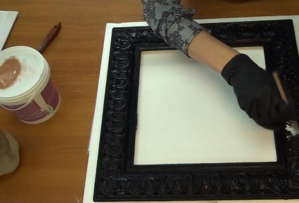 Рама для зеркала 58 фото как сделать рамку своими руками из дерева и потолочного плинтуса кованую и из любого материала