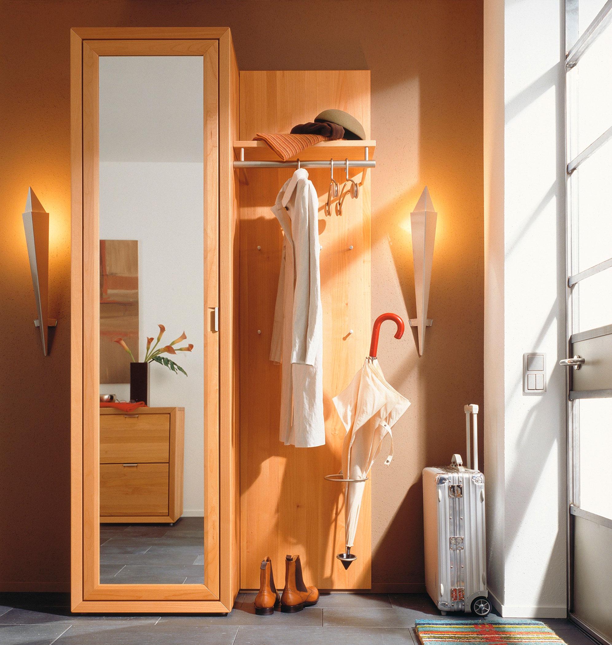 Зеркало в коридоре по фэншую