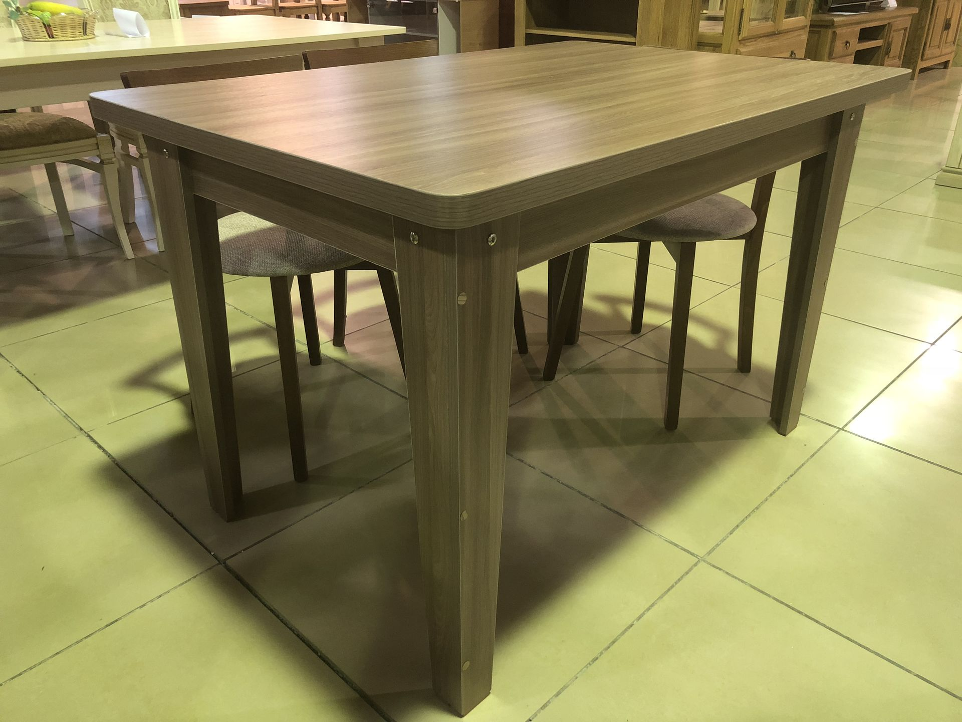 Купить кухонные столы из ЛДСП