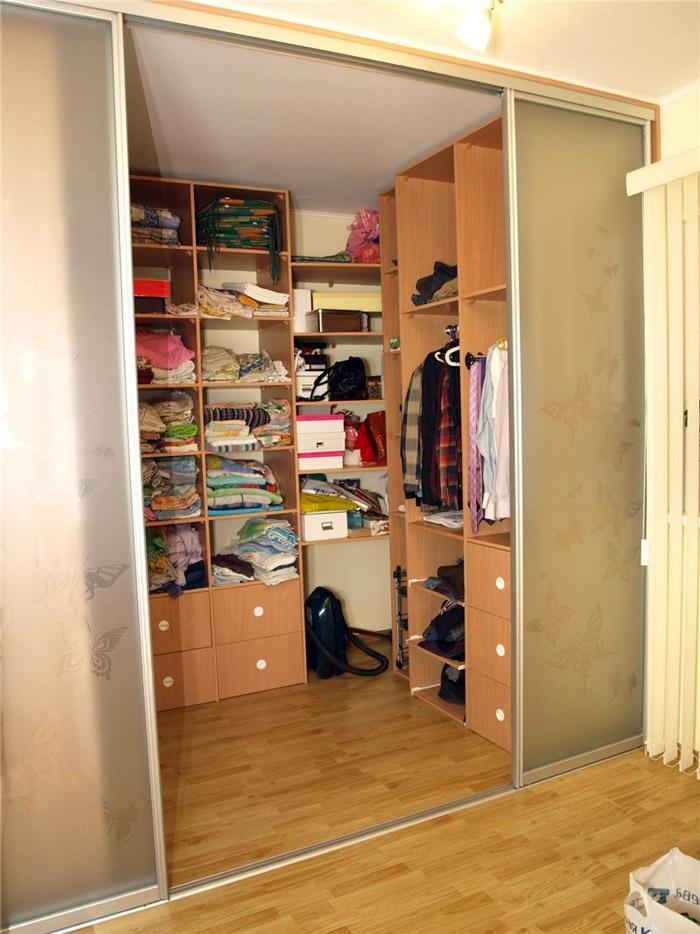 Что нужно для гардеробной комнаты своими руками