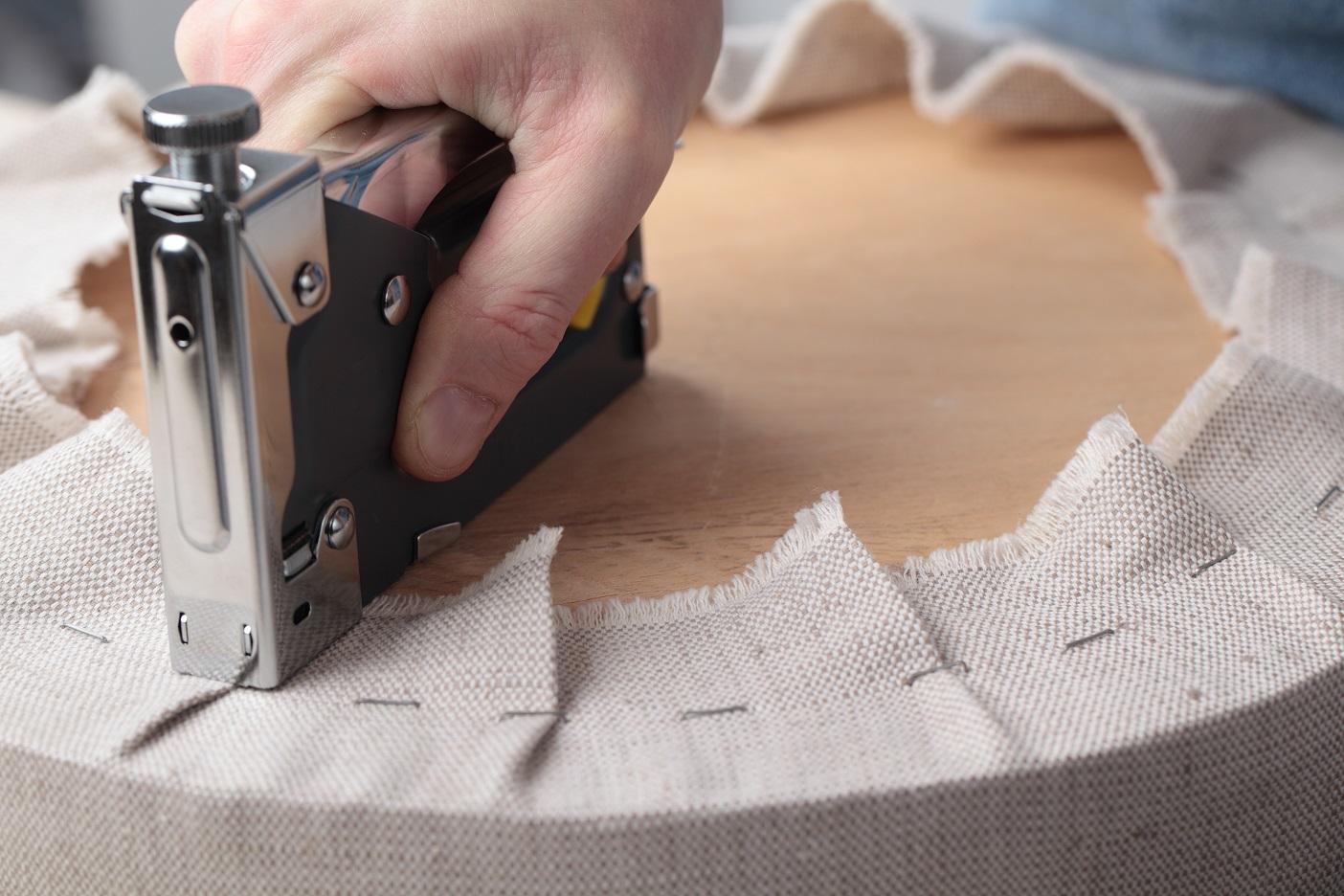 Материалы для перетяжки мебели своими руками 25
