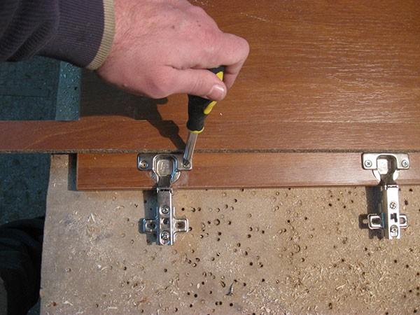 Как сделать мебельные петли своими руками