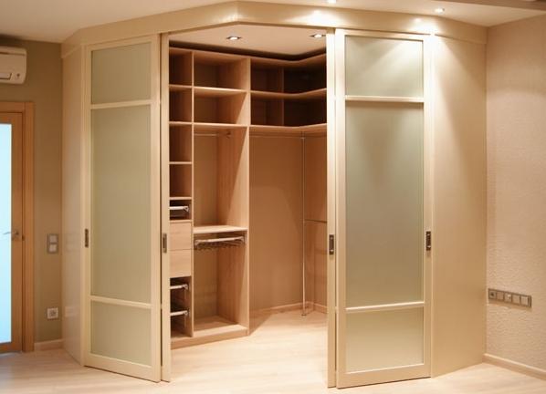 Раздвижные двери в гардеробную комнату своими руками 19