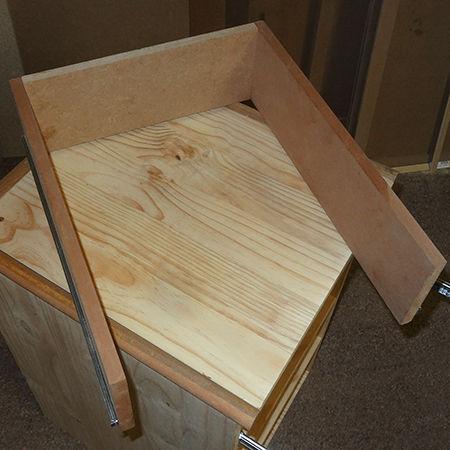 Сделать стол с выдвижными ящиками своими руками