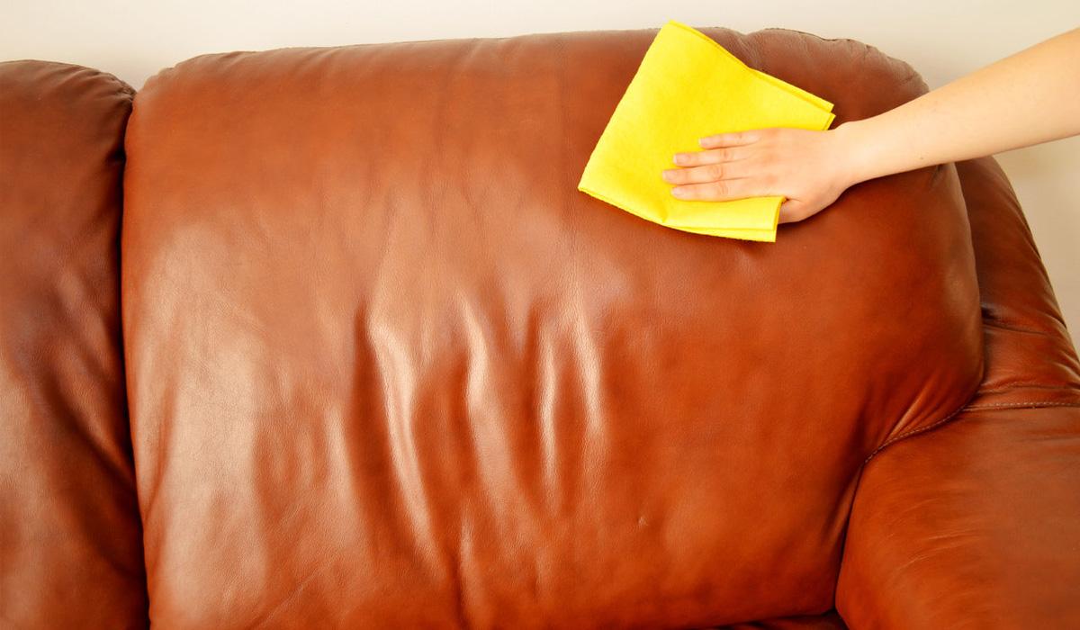 Как очистить диван от пятен в домашних условиях? 36