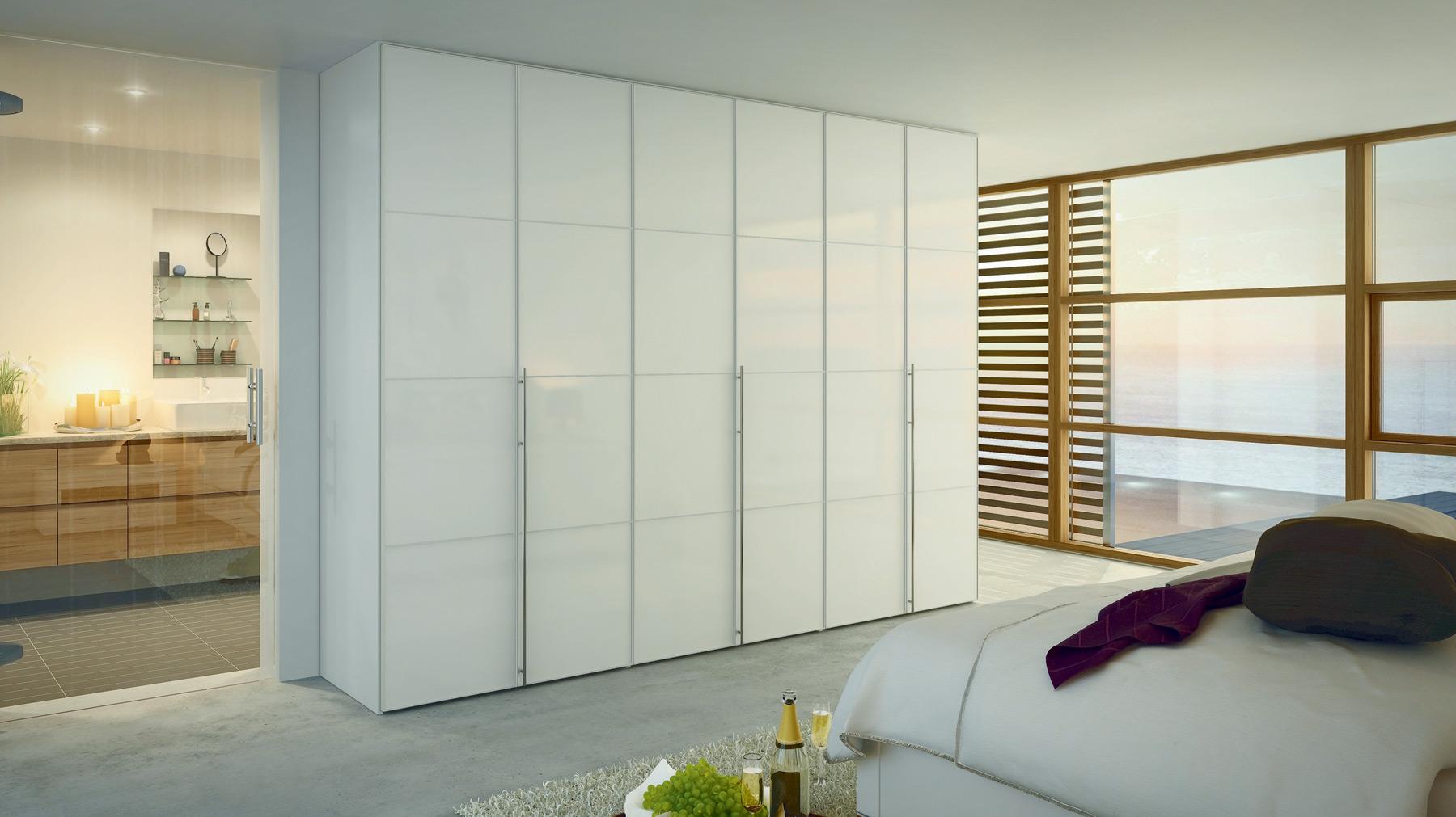 Дизайн распашных дверей в шкаф